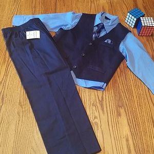 NWOT 4 piece dress suit